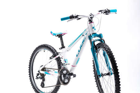 cube kid 240 girl white n blue kinder mountainbike 24 inch. Black Bedroom Furniture Sets. Home Design Ideas
